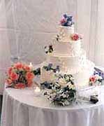 Flower decorated wedding cake